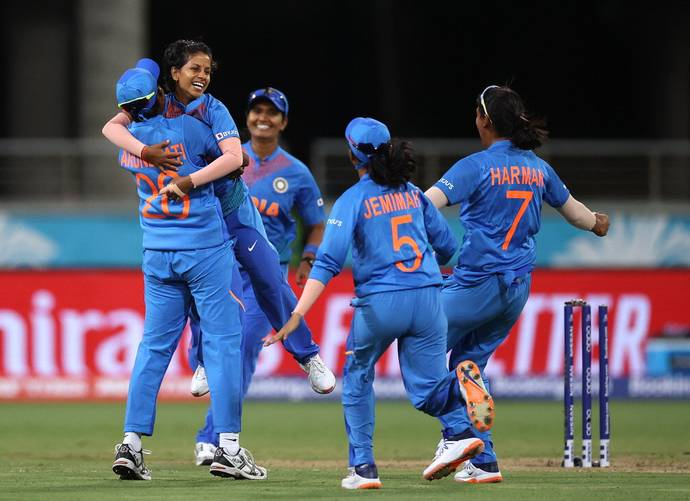 Poonam Yadav, Shikha Pandey close out comfortable India win