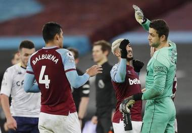 West Ham Rides Its Luck To Beat Aston Villa 2 1 Sportstar