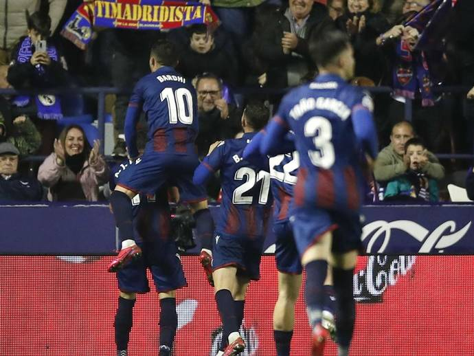 Hazard limps off as Real Madrid fall to second after shock loss at Levante